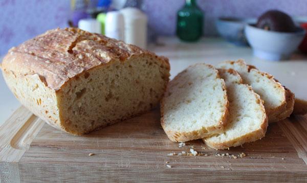 Weißbrot in der Lékué Brotbackschale gebacken: schön locker.: Rezept