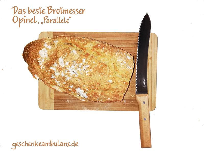 Das beste Brotmesser mit Wellenschliff und Holzgriff